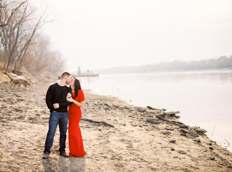 Wedding-Photographer-Lindsey-Pantaleo-Engagement-Shoot-Jefferson-City-Missouri-River-Access (4)