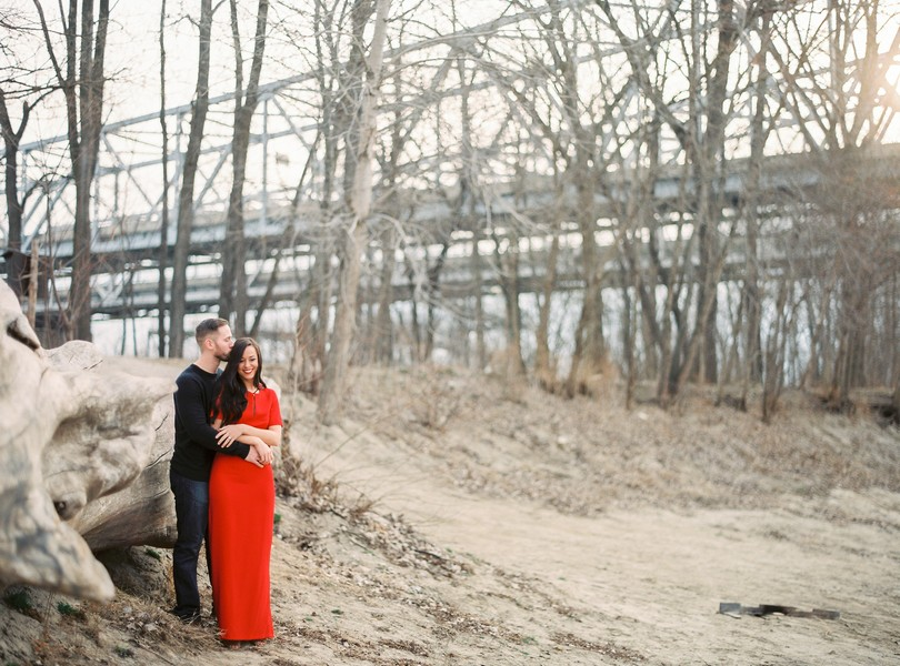 Wedding-Photographer-Lindsey-Pantaleo-Engagement-Shoot-Jefferson-City-Missouri-River-Access (8)