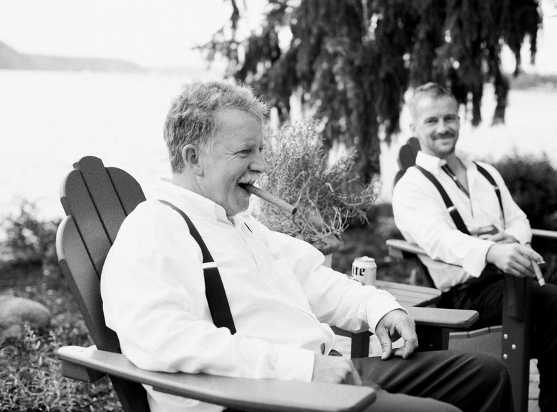 Lake-of-the-ozarks-wedding-photographer-Lindsey-Pantaleo-Osage-Beach-Missouri-Backyard-Wedding (36)