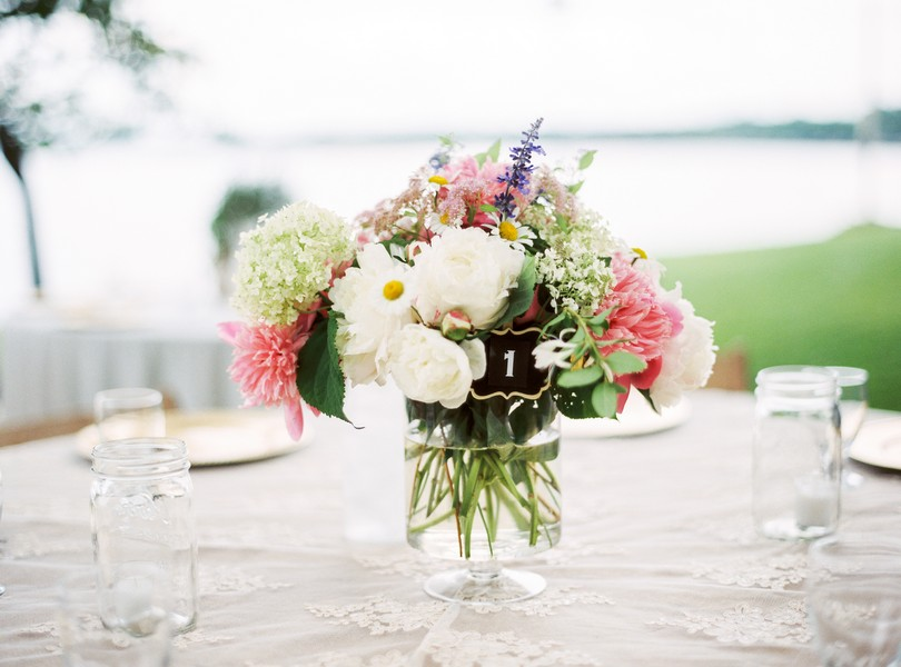 Lake-of-the-ozarks-wedding-photographer-Lindsey-Pantaleo-Osage-Beach-Missouri-Backyard-Wedding (7)