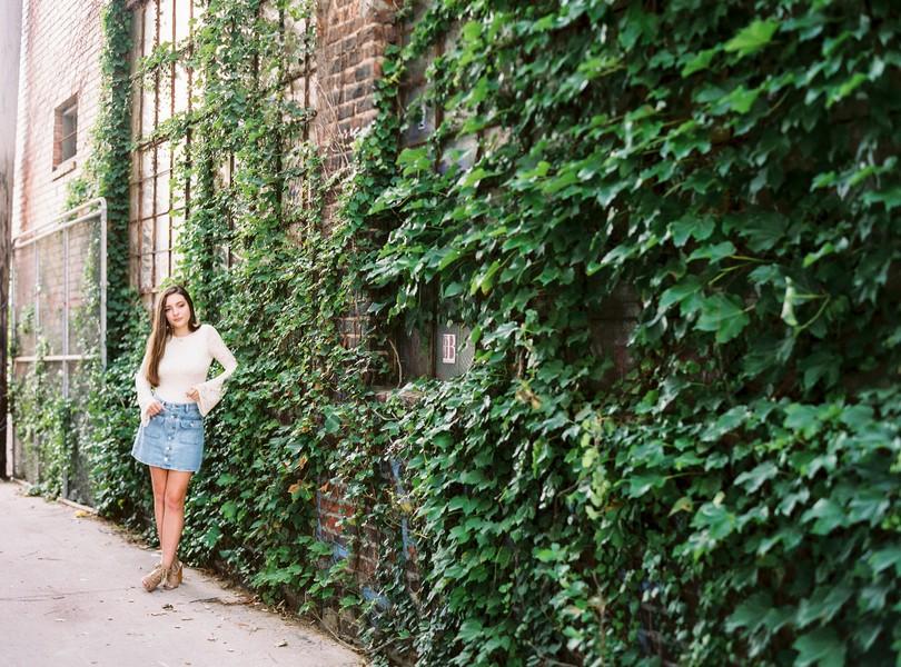High-School-Senior-Photography-Kansas-City-Missouri-Lindsey-Pantaleo-Helias-Senior-2018-The-Plaza (4)
