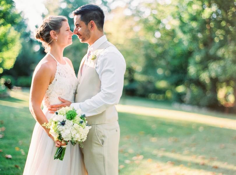 Outdoor-Wedding-Hannibal-Missouri-Lindsey-Pantaleo-Backyard-Wedding (16)
