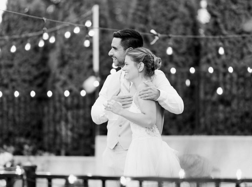 Outdoor-Wedding-Hannibal-Missouri-Lindsey-Pantaleo-Backyard-Wedding (43)