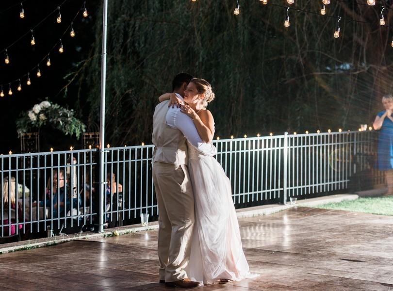 Outdoor-Wedding-Hannibal-Missouri-Lindsey-Pantaleo-Backyard-Wedding (45)