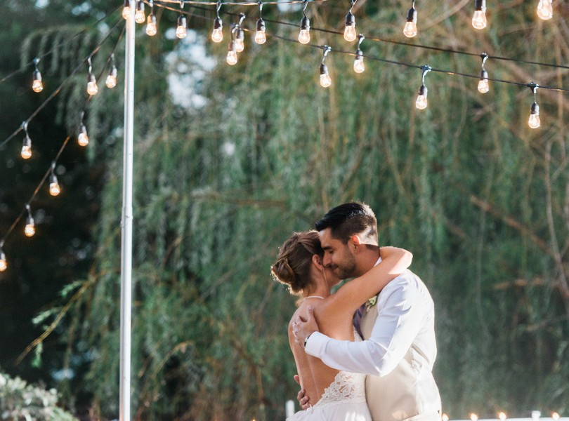 Outdoor-Wedding-Hannibal-Missouri-Lindsey-Pantaleo-Backyard-Wedding (46)