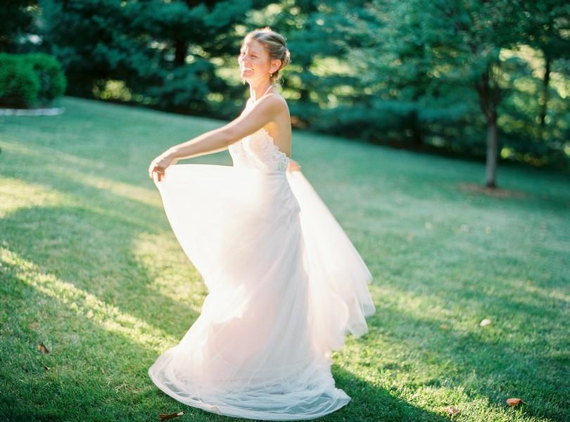 Outdoor-Wedding-Hannibal-Missouri-Lindsey-Pantaleo-Backyard-Wedding (7)