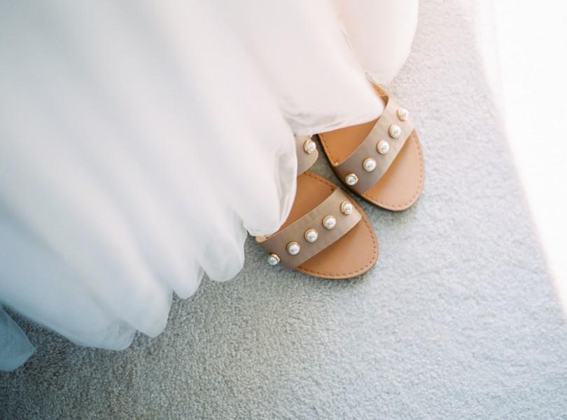 Outdoor-Wedding-Hannibal-Missouri-Lindsey-Pantaleo-Backyard-Wedding (9)