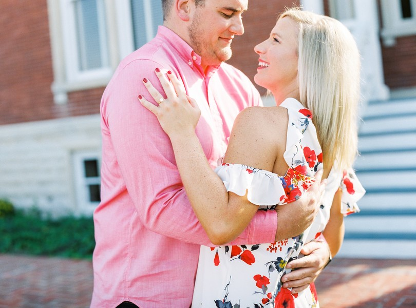 Engagement-Photographer-Lindsey-Pantaleo-Jefferson-City-Missouri-River-Access-Engaged (1)