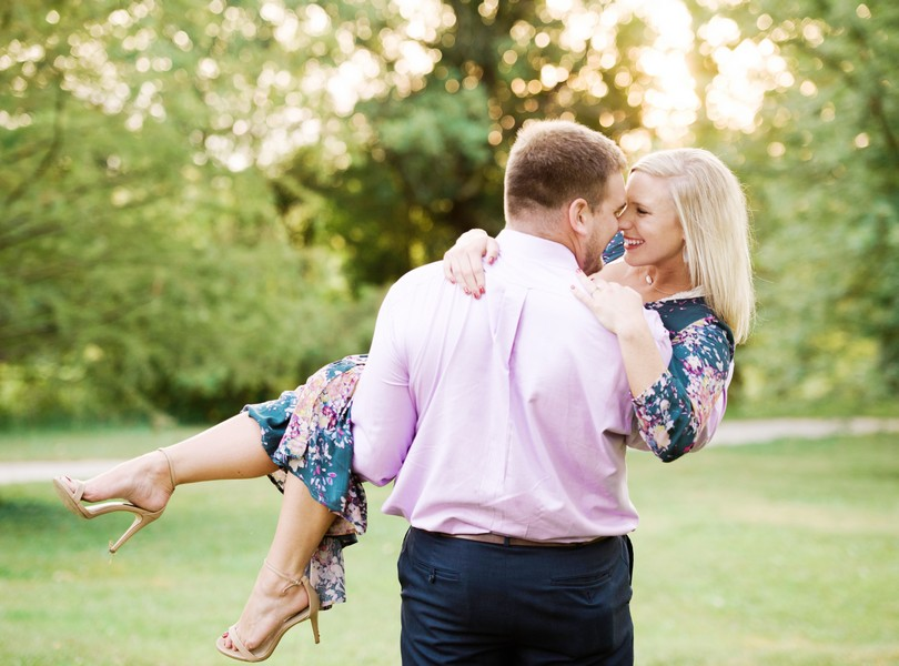 Engagement-Photographer-Lindsey-Pantaleo-Jefferson-City-Missouri-River-Access-Engaged (11)