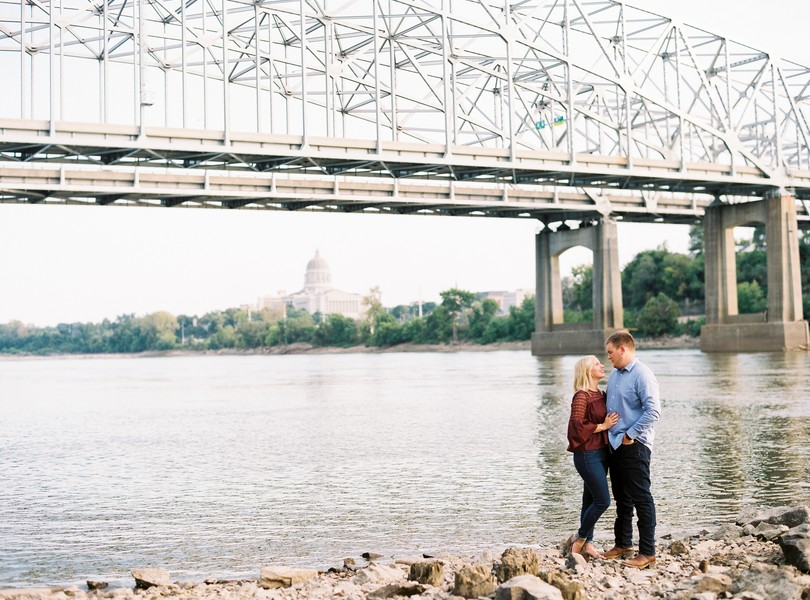 Engagement-Photographer-Lindsey-Pantaleo-Jefferson-City-Missouri-River-Access-Engaged (7)