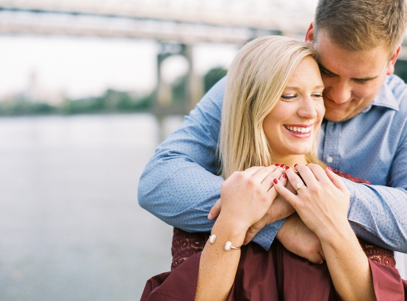 Engagement-Photographer-Lindsey-Pantaleo-Jefferson-City-Missouri-River-Access-Engaged (8)