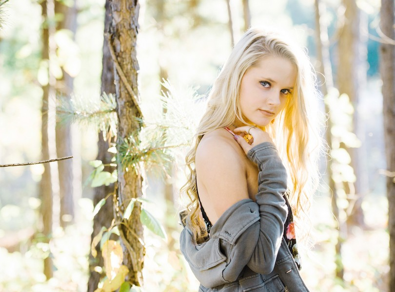 Helias-Senior-2018-Photography-Lindsey-Pantaleo (12)
